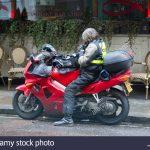 motorlu kurye olma, nasıl motorlu kurye olunur, kimler motorlu kuryelik yapabilir