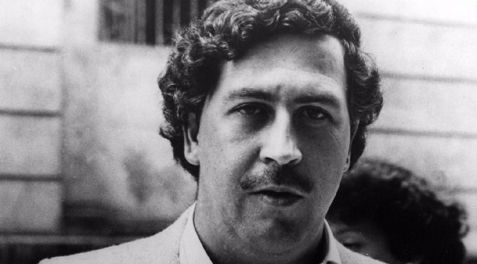 Pablo Escobar kim, Pablo Escobar çetesi, Pablo Escobar çetesi neler yaptı